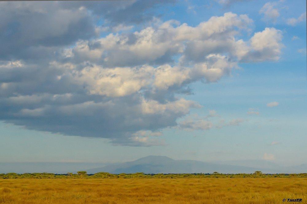 Blick zum Ngorongoro-Krater